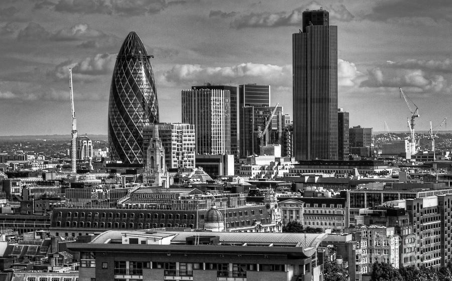london-skyline-bw-i-jack-torcello